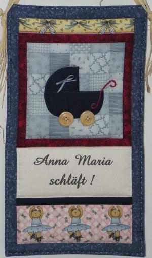Anna Maria schläft!  Miniquilt fertig genäht