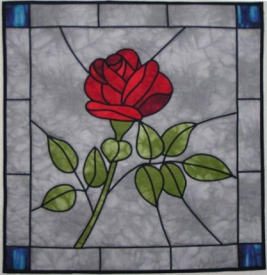 Rose-Bleiglasfenster- fertig genäht