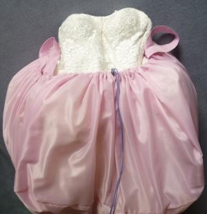 Brautgeheimnis: Wenn die Braut mal muss...im Brautkleid zur Toilette