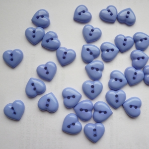 Herzknopf- Kinderknopf,  flieder 30 Stück