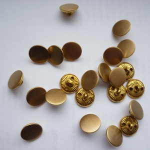 Metallknopf, gold 19 Stück